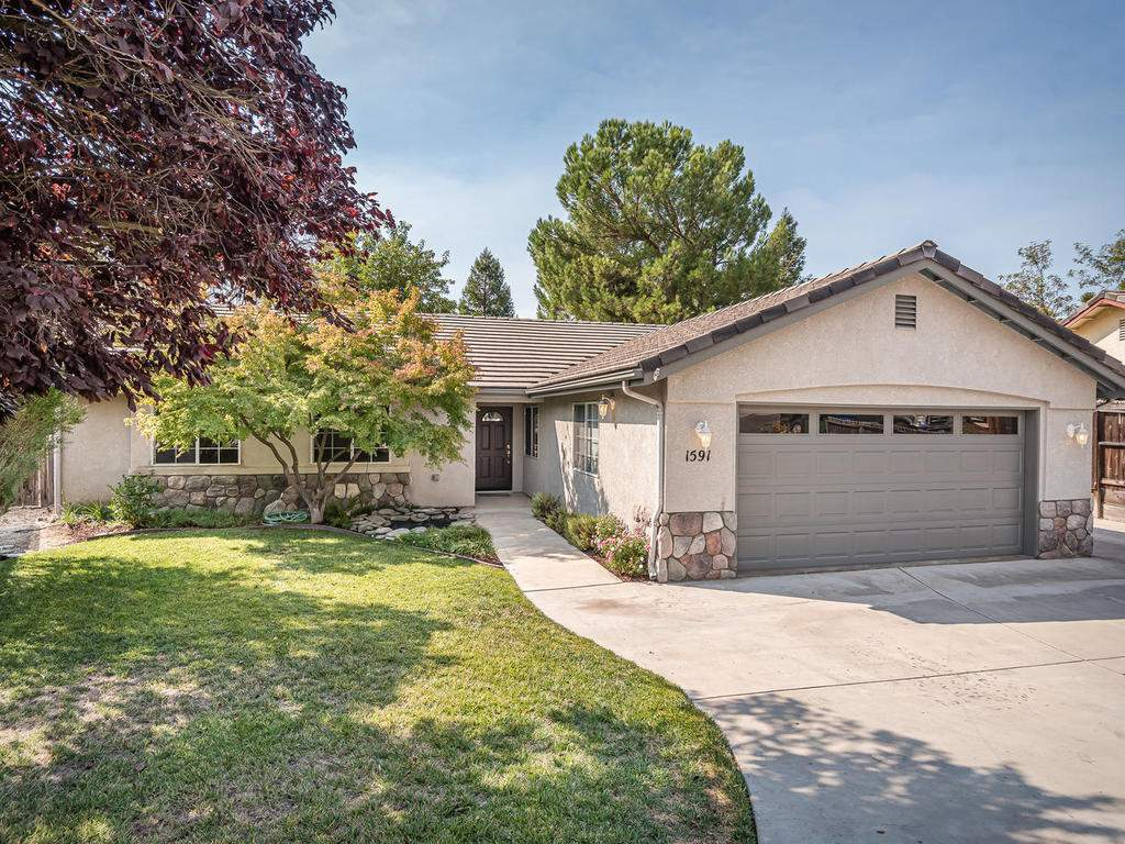 1591-Stormy-Way-Paso-Robles-CA-001-001-Front-of-Home-MLS_Size