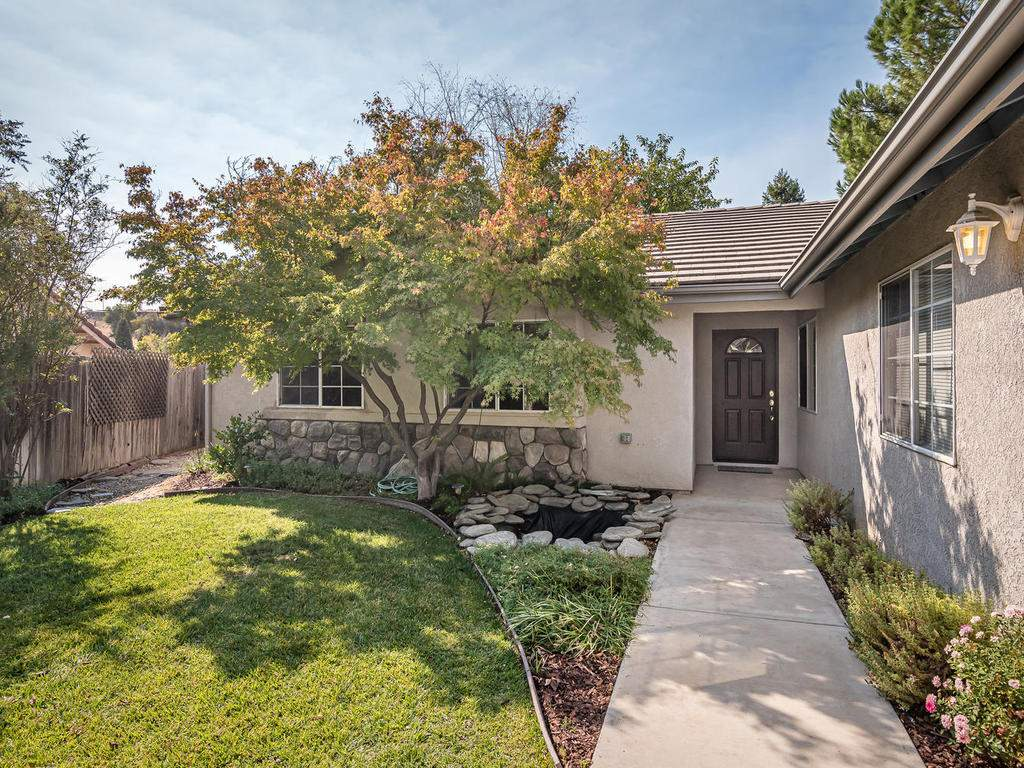 1591-Stormy-Way-Paso-Robles-CA-002-002-Entry-MLS_Size