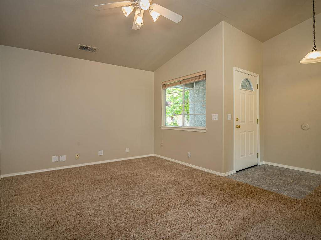 1591-Stormy-Way-Paso-Robles-CA-007-006-Family-Room-MLS_Size