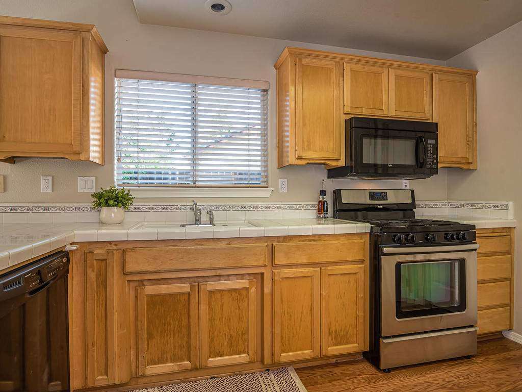 1591-Stormy-Way-Paso-Robles-CA-012-011-Kitchen-MLS_Size