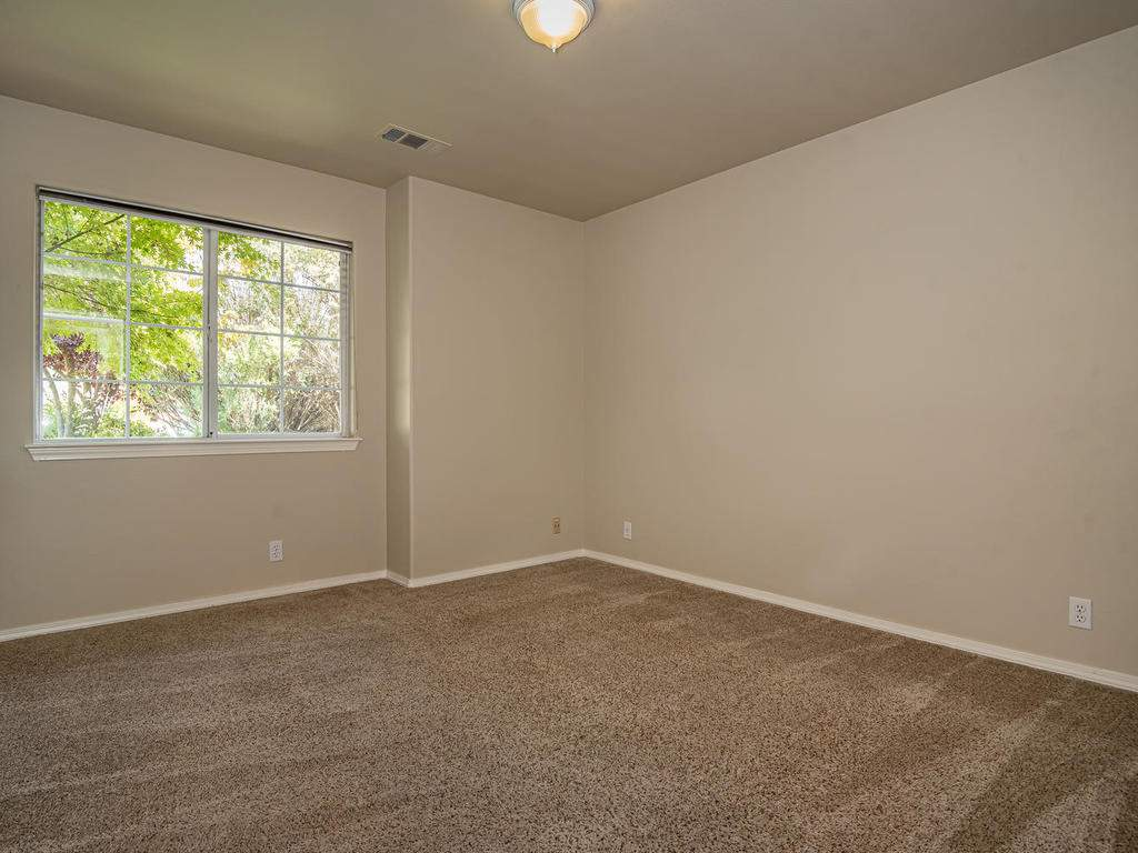 1591-Stormy-Way-Paso-Robles-CA-019-020-Bedroom-3-MLS_Size