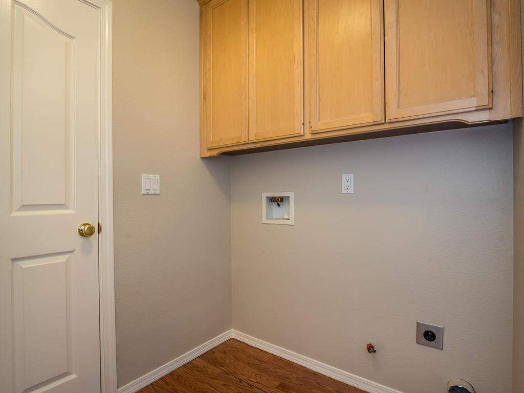 1591-Stormy-Way-Paso-Robles-CA-021-019-Laundry-Room-MLS_Size