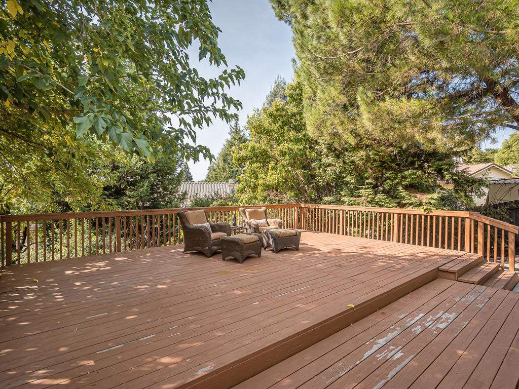 1591-Stormy-Way-Paso-Robles-CA-026-032-Back-Yard-Deck-MLS_Size