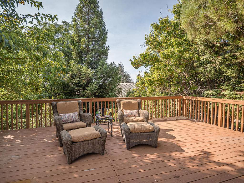 1591-Stormy-Way-Paso-Robles-CA-027-029-Back-Yard-Deck-MLS_Size