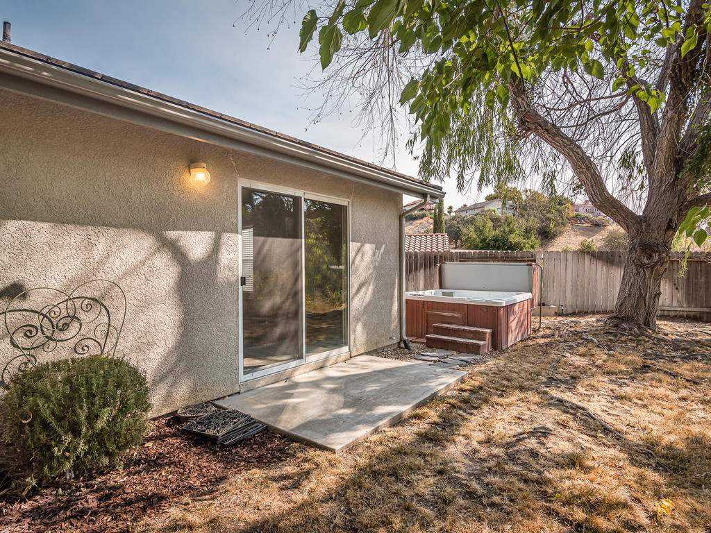 1591-Stormy-Way-Paso-Robles-CA-029-026-Back-Yard-MLS_Size