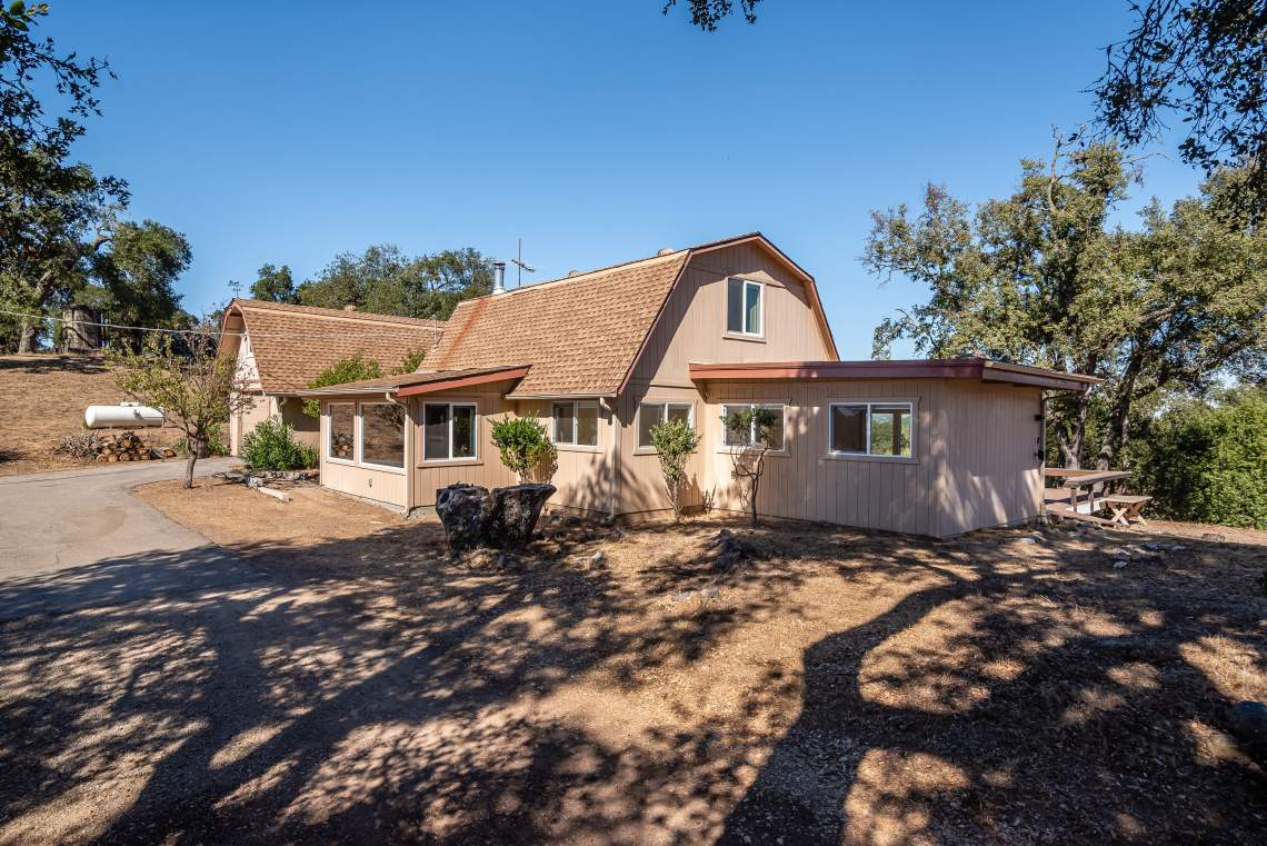 1600-Post-Canyon-Dr-Templeton-print-046-043-Front-of-Home-3000x2003-300dpi