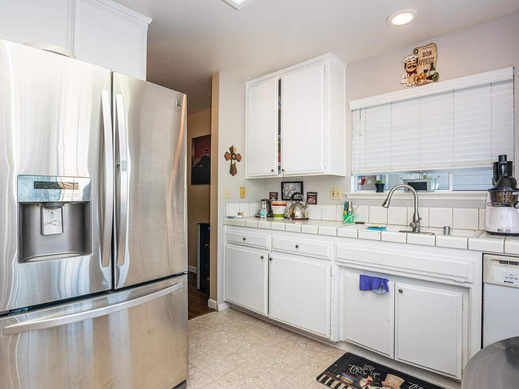1721-Creeksand-Ln-Paso-Robles-010-009-Kitchen-MLS_Size