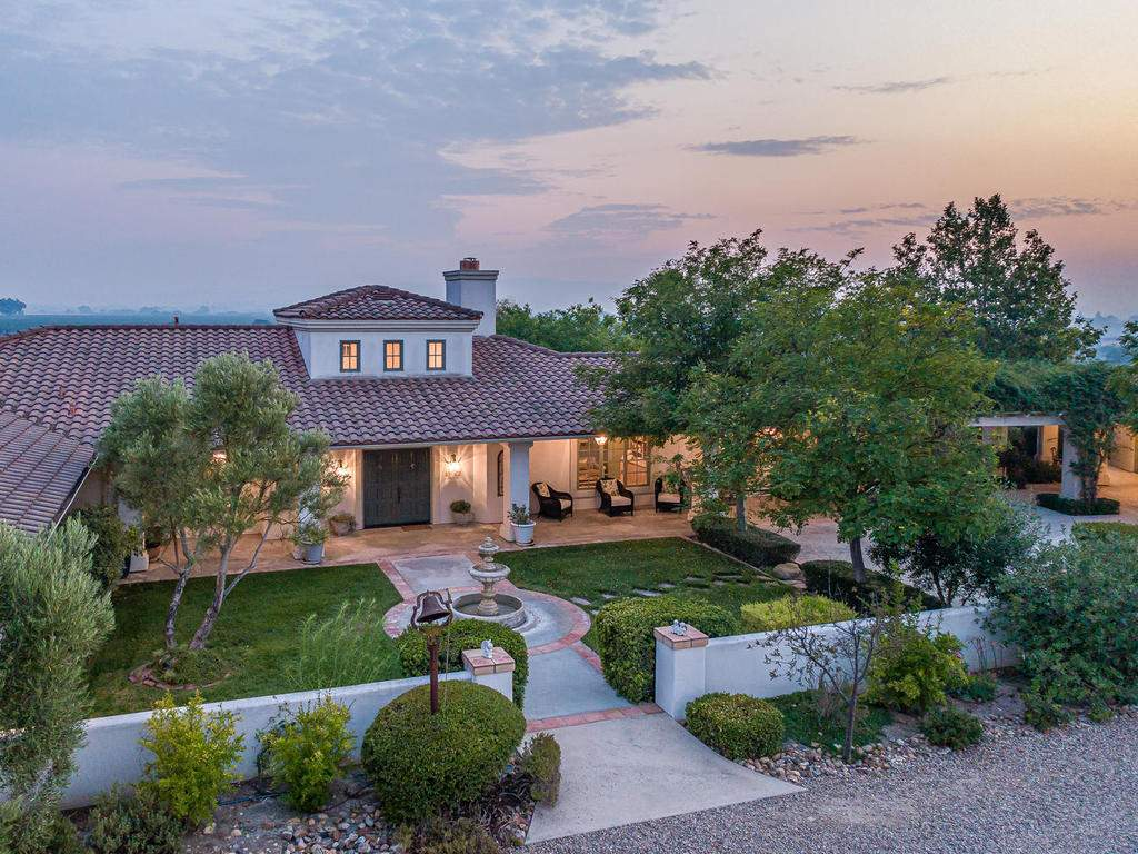 1785-Wellsona-Rd-Paso-Robles-005-005-Front-of-Home-MLS_Size
