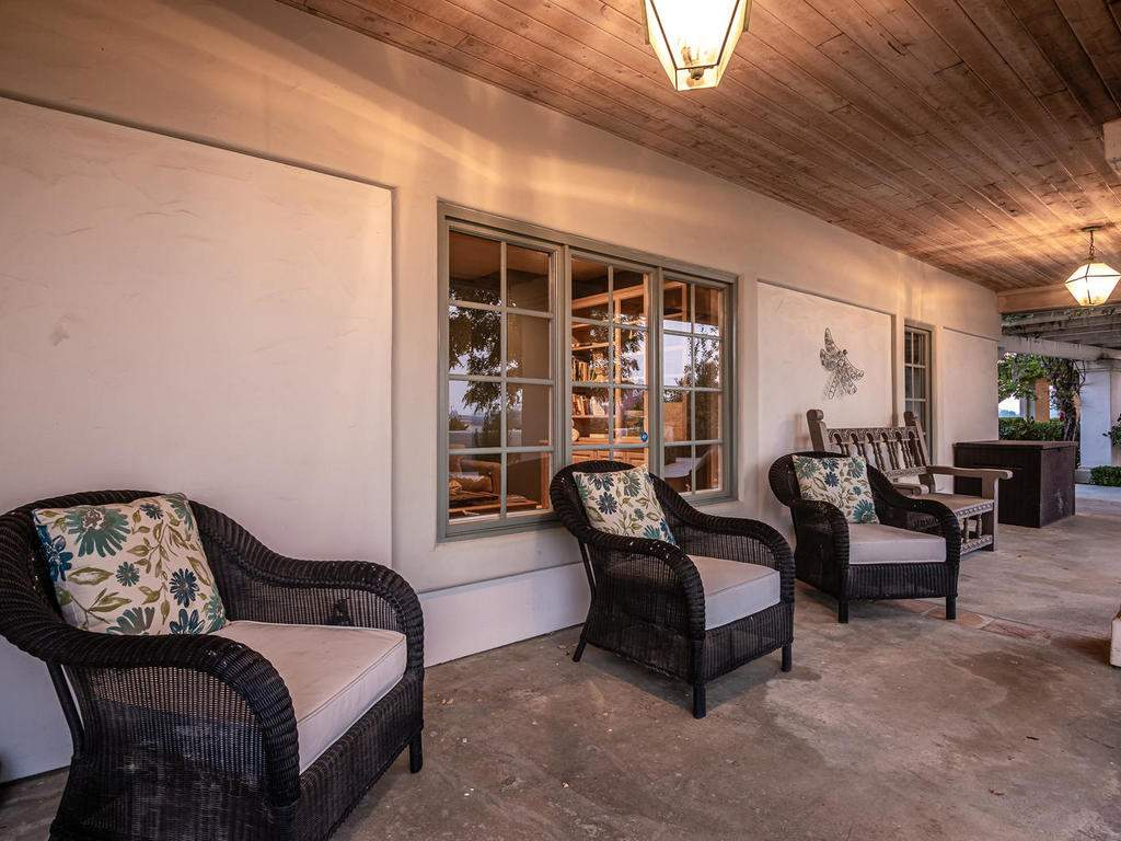 1785-Wellsona-Rd-Paso-Robles-007-003-Entry-Courtyard-MLS_Size