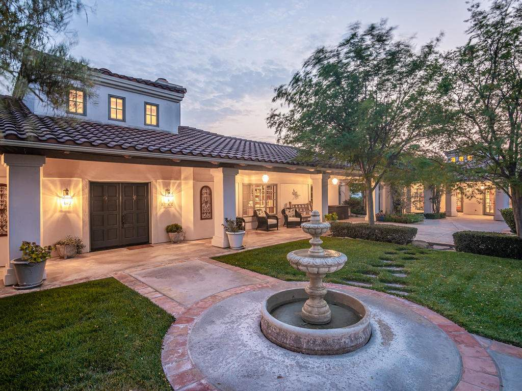 1785-Wellsona-Rd-Paso-Robles-008-007-Entry-Courtyard-MLS_Size