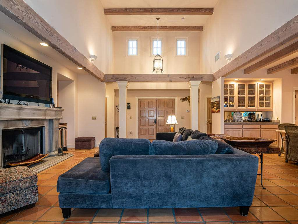 1785-Wellsona-Rd-Paso-Robles-009-006-Great-Room-MLS_Size