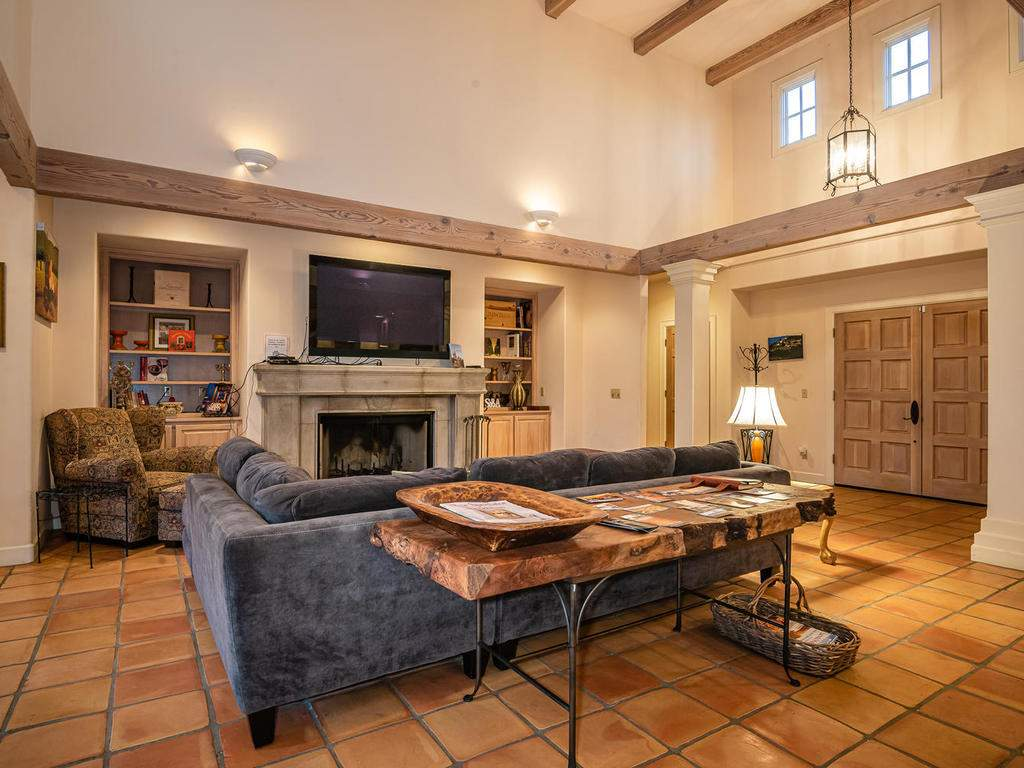 1785-Wellsona-Rd-Paso-Robles-010-009-Great-Room-MLS_Size