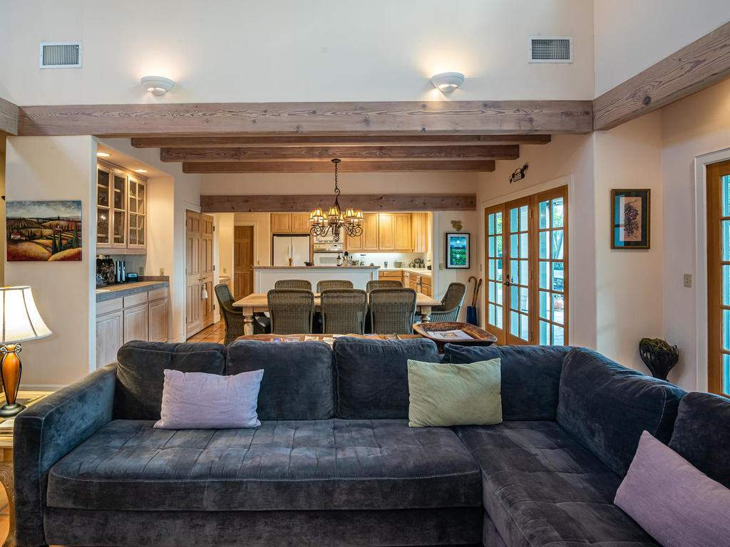 1785-Wellsona-Rd-Paso-Robles-011-008-Great-Room-MLS_Size