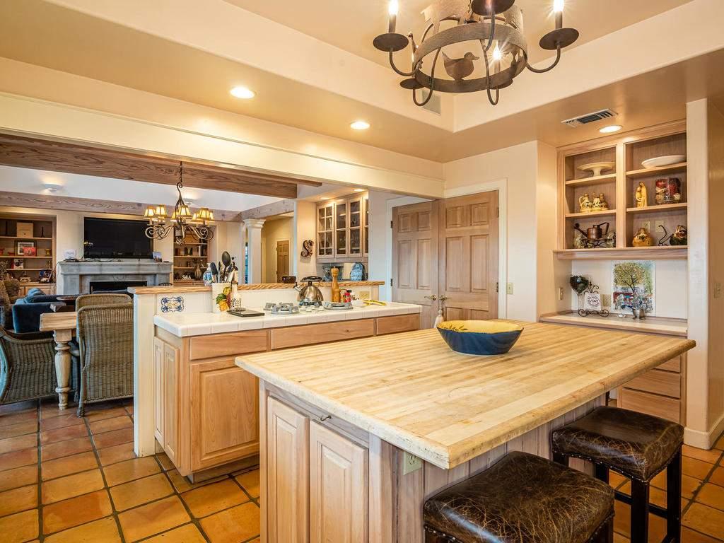 1785-Wellsona-Rd-Paso-Robles-014-016-Kitchen-MLS_Size
