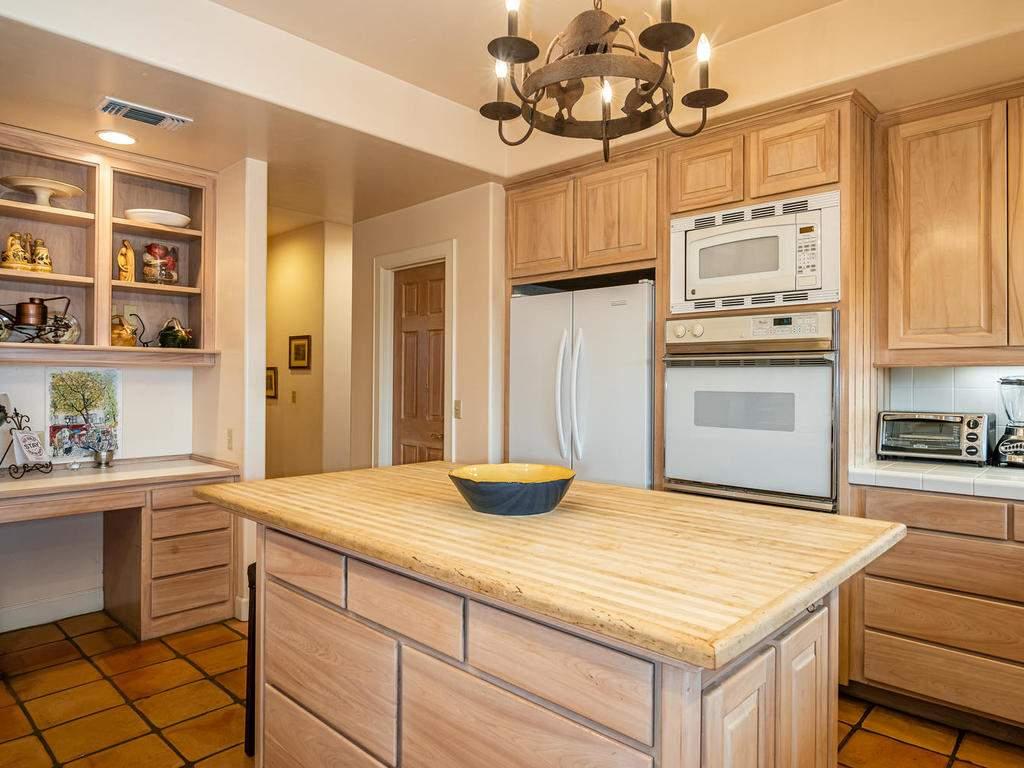 1785-Wellsona-Rd-Paso-Robles-015-012-Kitchen-MLS_Size