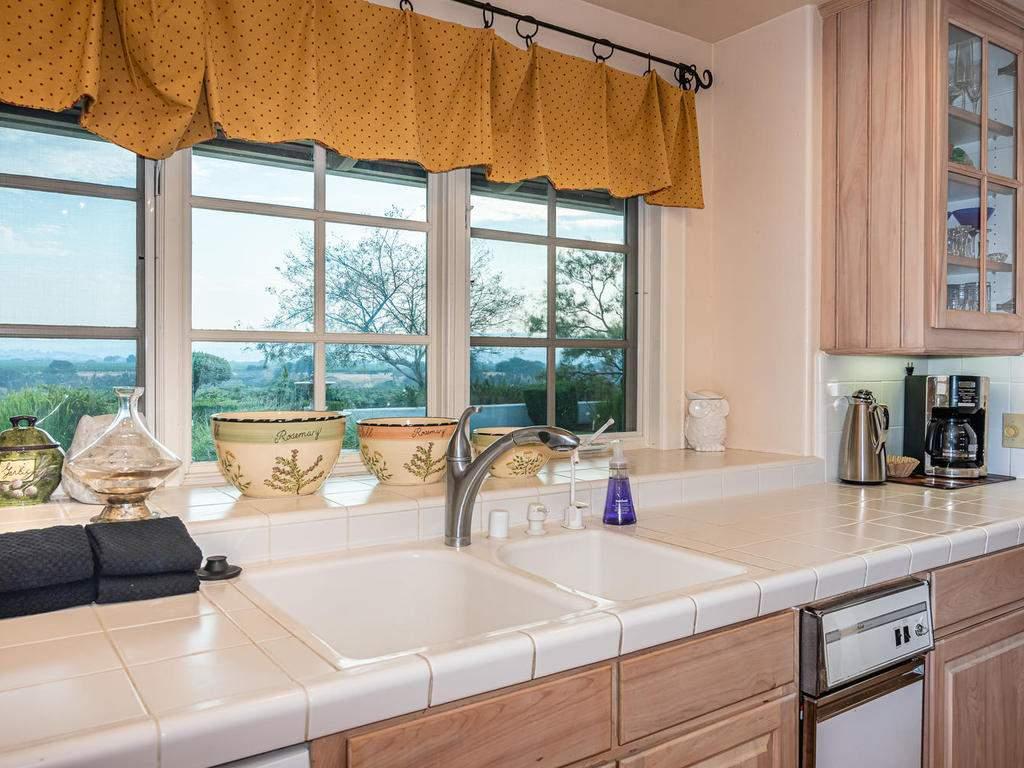 1785-Wellsona-Rd-Paso-Robles-016-018-Kitchen-MLS_Size