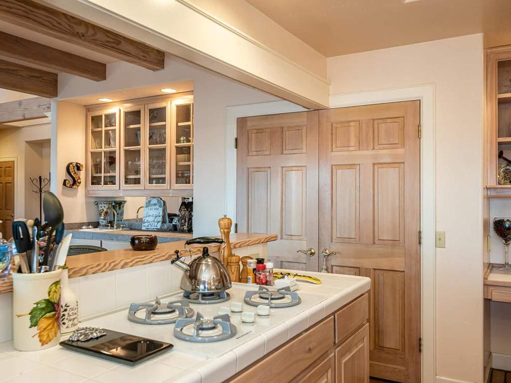 1785-Wellsona-Rd-Paso-Robles-017-013-Kitchen-MLS_Size