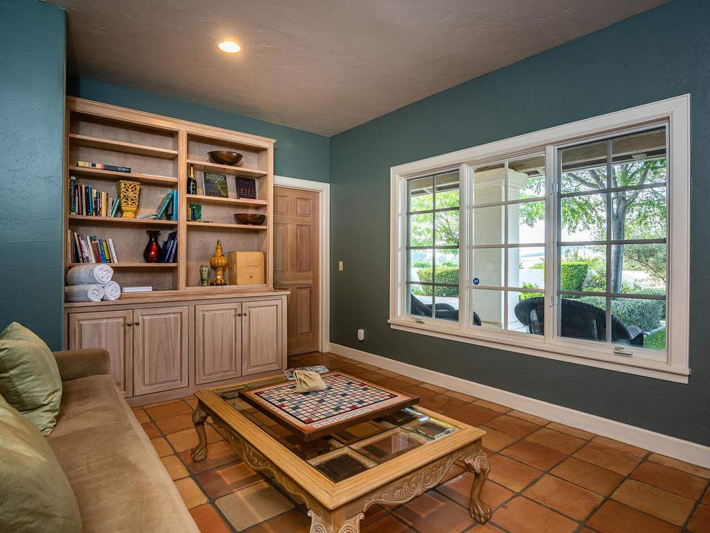 1785-Wellsona-Rd-Paso-Robles-020-021-Library-MLS_Size