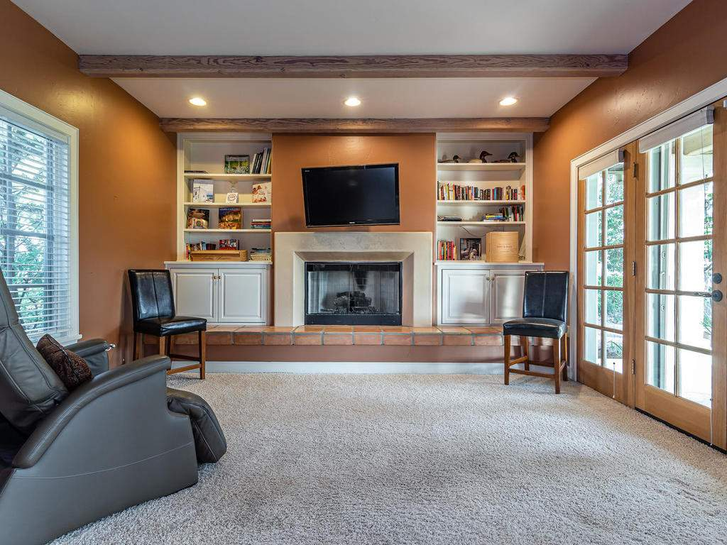 1785-Wellsona-Rd-Paso-Robles-024-019-Master-Suite-MLS_Size