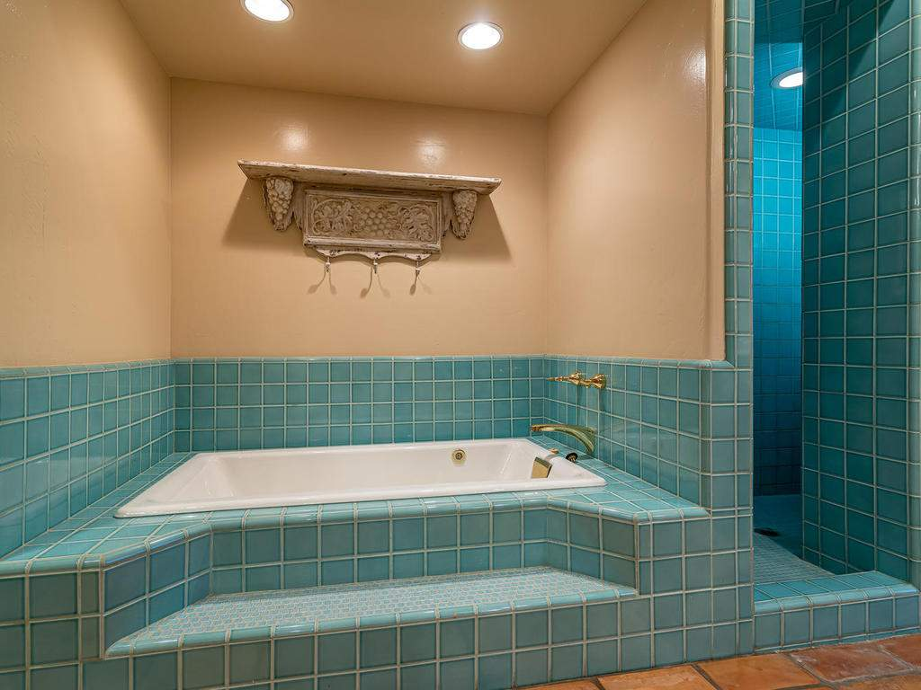 1785-Wellsona-Rd-Paso-Robles-026-028-Master-Suite-MLS_Size