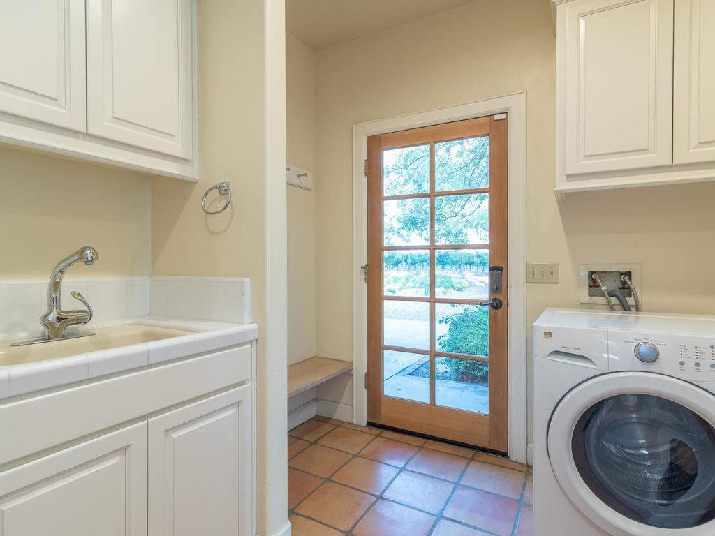1785-Wellsona-Rd-Paso-Robles-032-029-Laundry-Room-MLS_Size