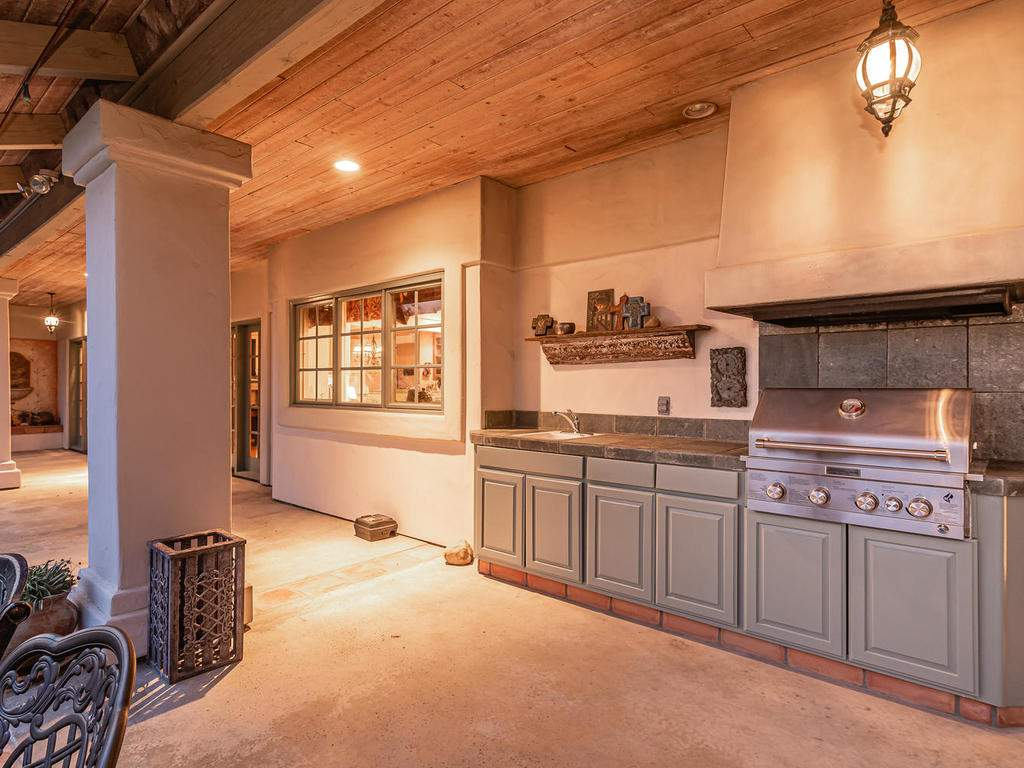 1785-Wellsona-Rd-Paso-Robles-035-031-Outdoor-Kitchen-MLS_Size