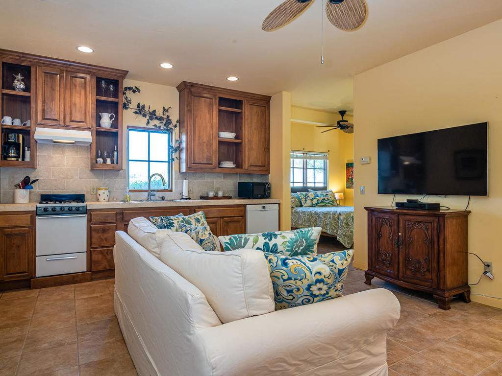 1785-Wellsona-Rd-Paso-Robles-047-035-Guest-House-MLS_Size