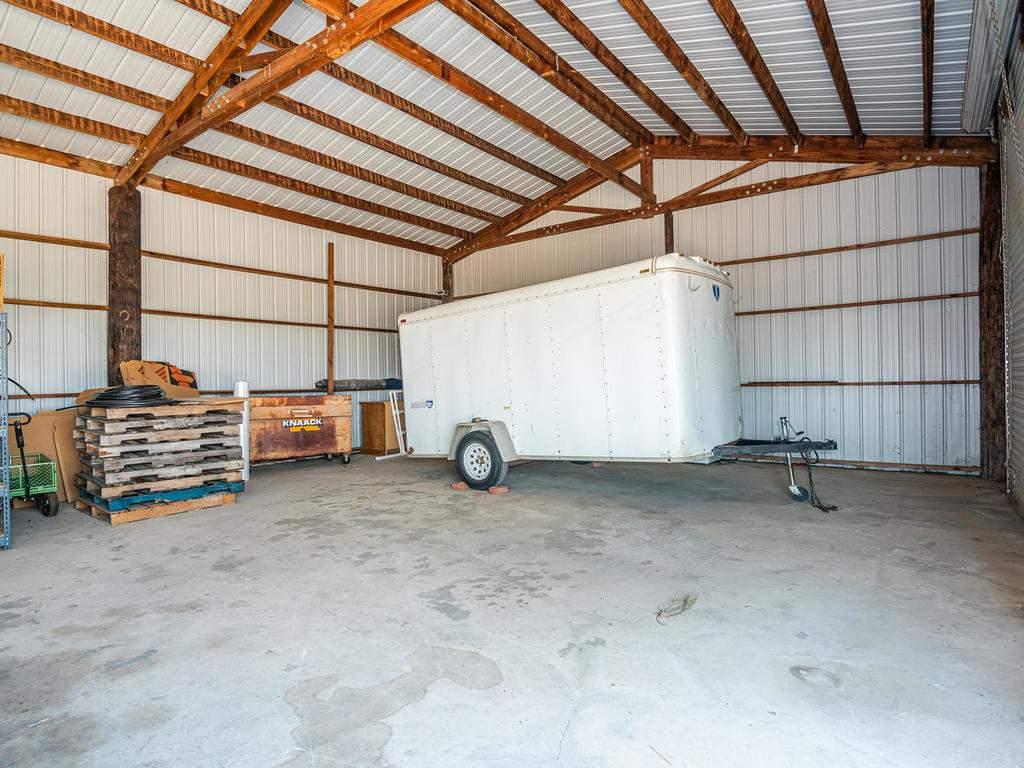 1785-Wellsona-Rd-Paso-Robles-066-065-Barn-MLS_Size