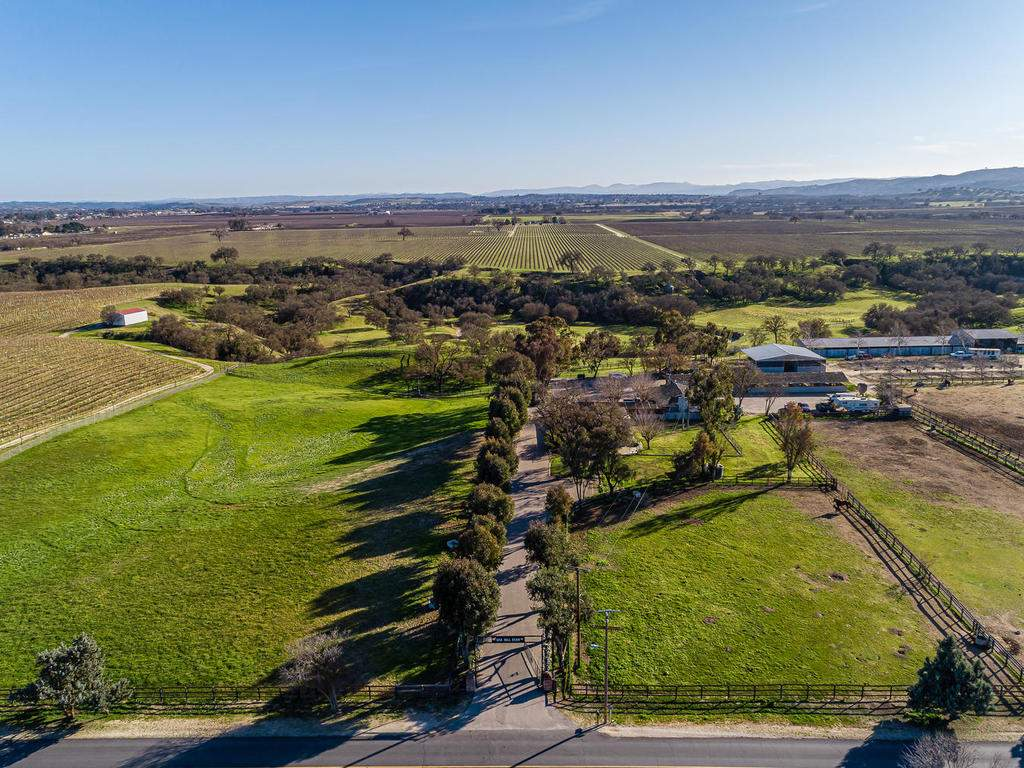 1880-Wellsona-Rd-Paso-Robles-004-009-Aerial-View-MLS_Size