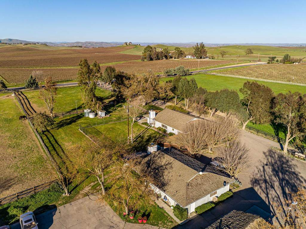 1880-Wellsona-Rd-Paso-Robles-006-014-Aerial-View-MLS_Size