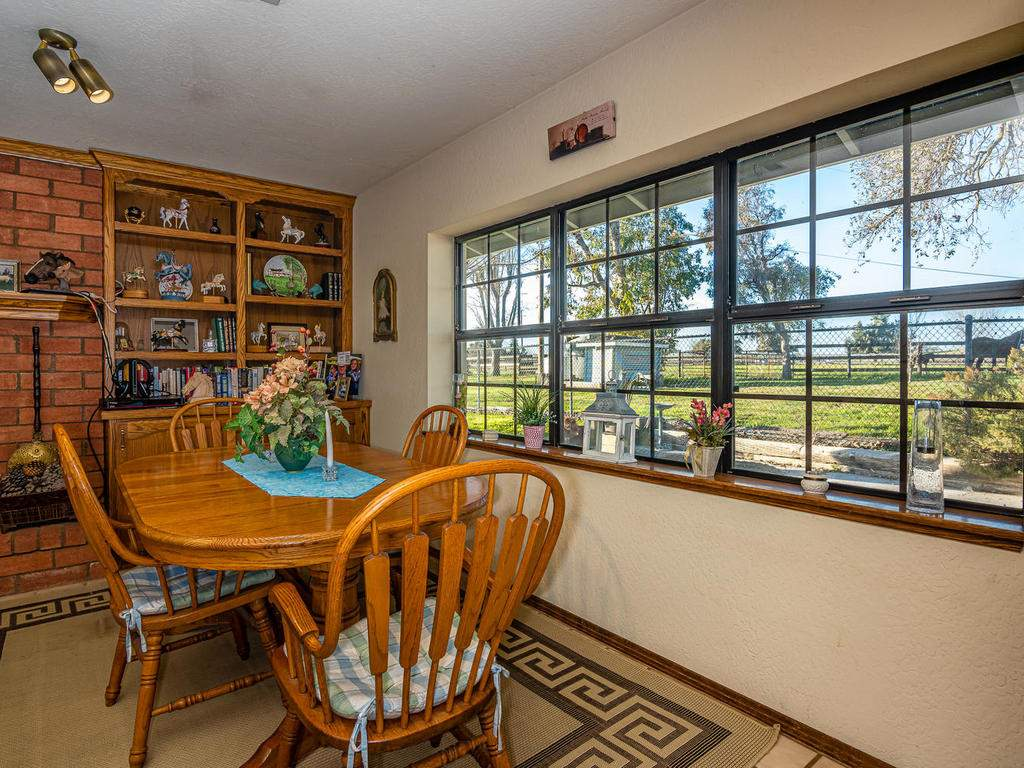 1880-Wellsona-Rd-Paso-Robles-010-016-Dining-Room-MLS_Size