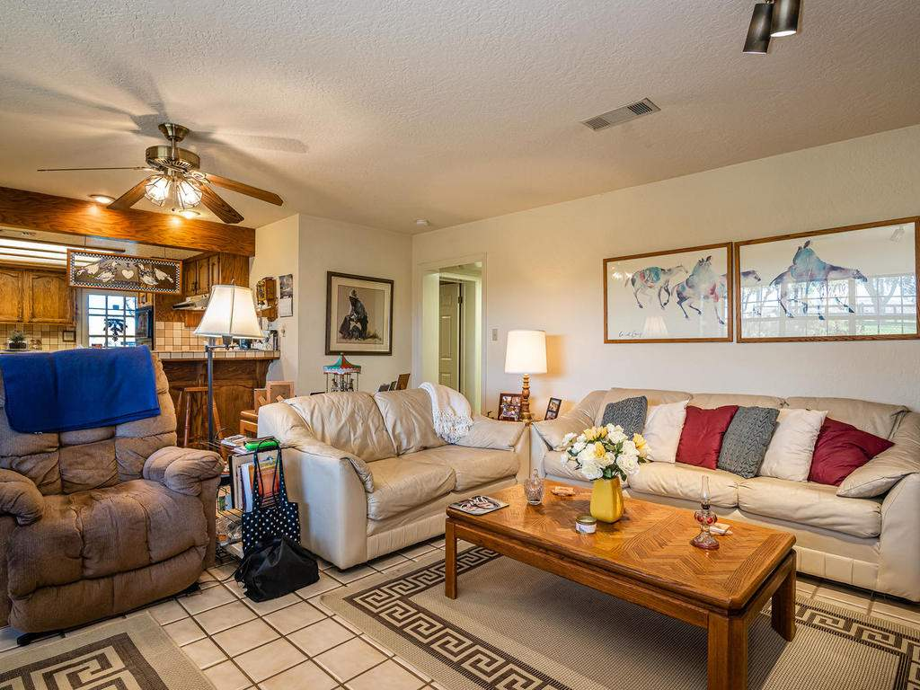 1880-Wellsona-Rd-Paso-Robles-011-017-Living-Room-MLS_Size