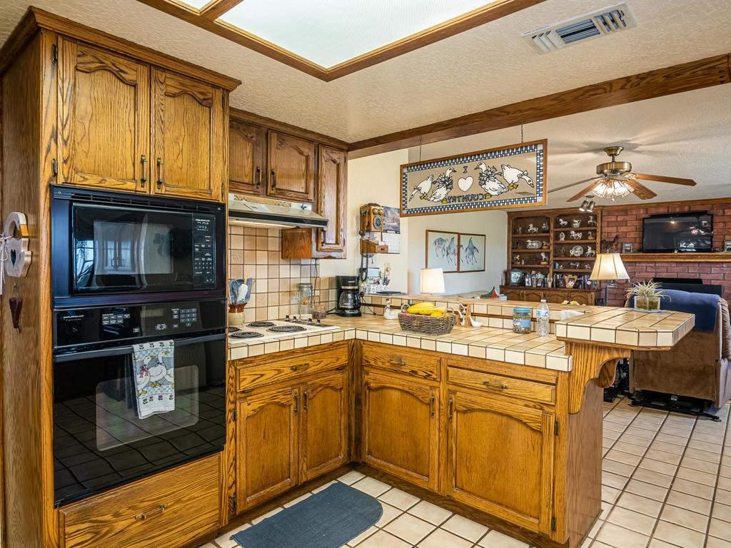 1880-Wellsona-Rd-Paso-Robles-013-015-Kitchen-MLS_Size