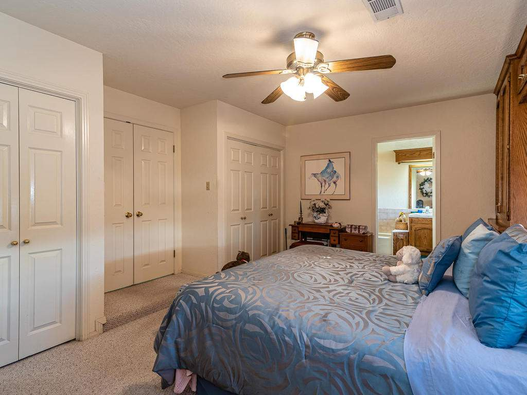 1880-Wellsona-Rd-Paso-Robles-018-023-Master-Suite-MLS_Size