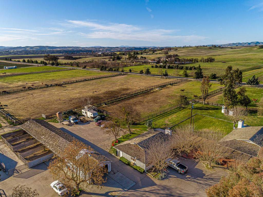 1880-Wellsona-Rd-Paso-Robles-045-044-Horse-Facilities-MLS_Size