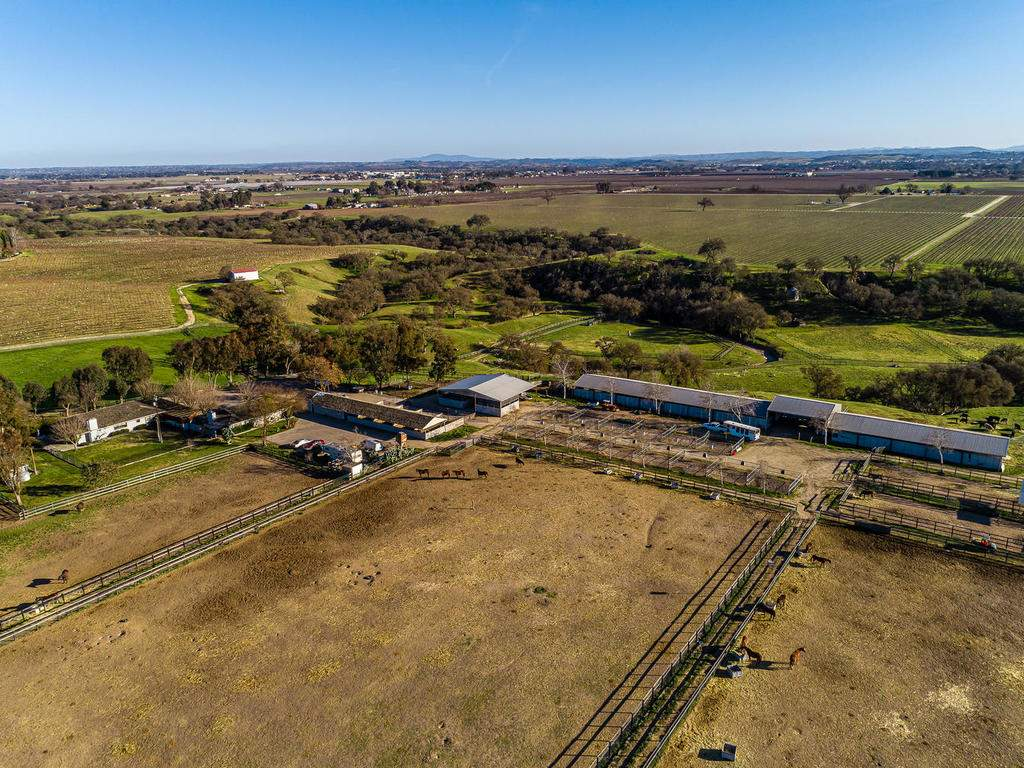 1880-Wellsona-Rd-Paso-Robles-046-045-Horse-Facilities-MLS_Size