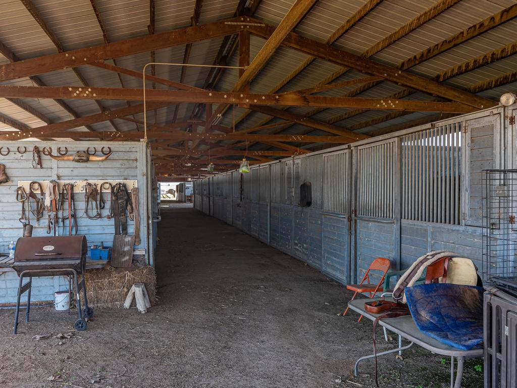 1880-Wellsona-Rd-Paso-Robles-047-046-Horse-Facilities-MLS_Size
