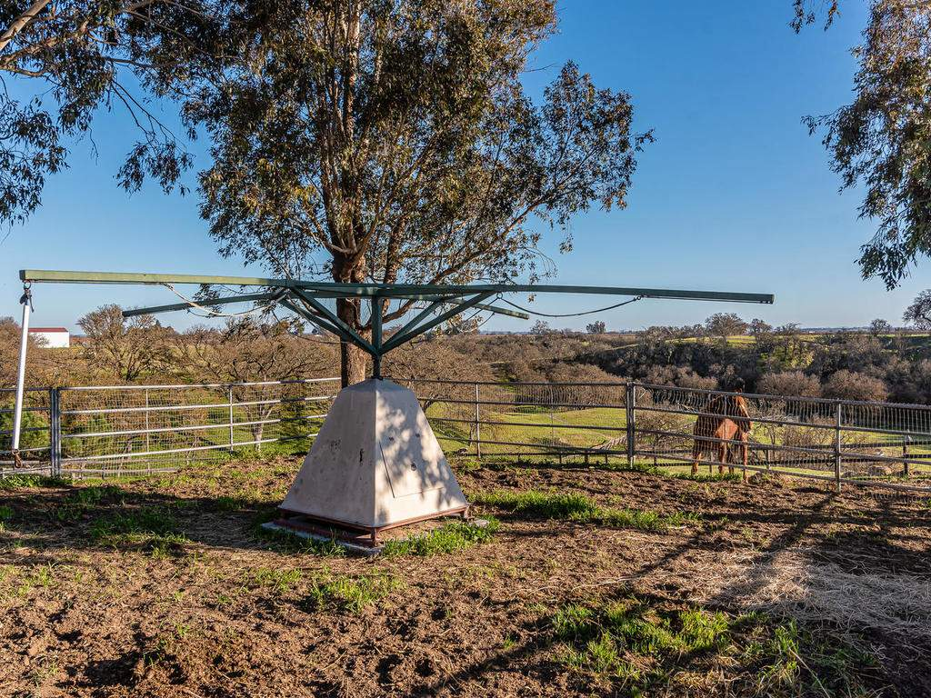 1880-Wellsona-Rd-Paso-Robles-050-051-Horse-Facilities-MLS_Size