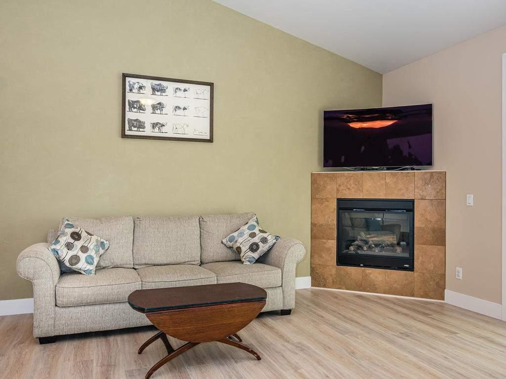 2018-Vista-Oaks-Way-Paso-008-008-Living-Room-MLS_Size