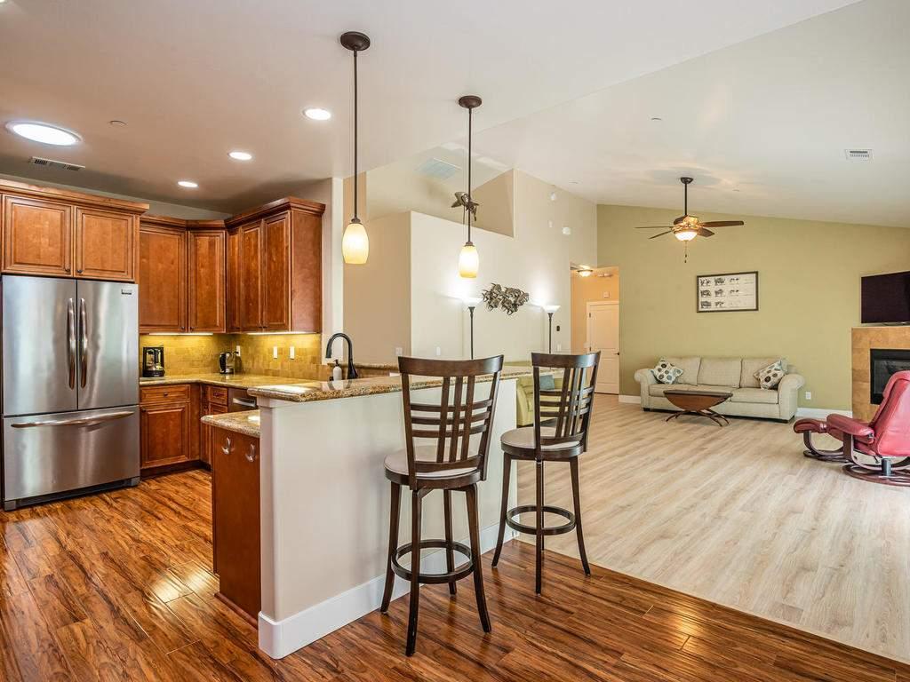 2018-Vista-Oaks-Way-Paso-009-010-Kitchen-MLS_Size