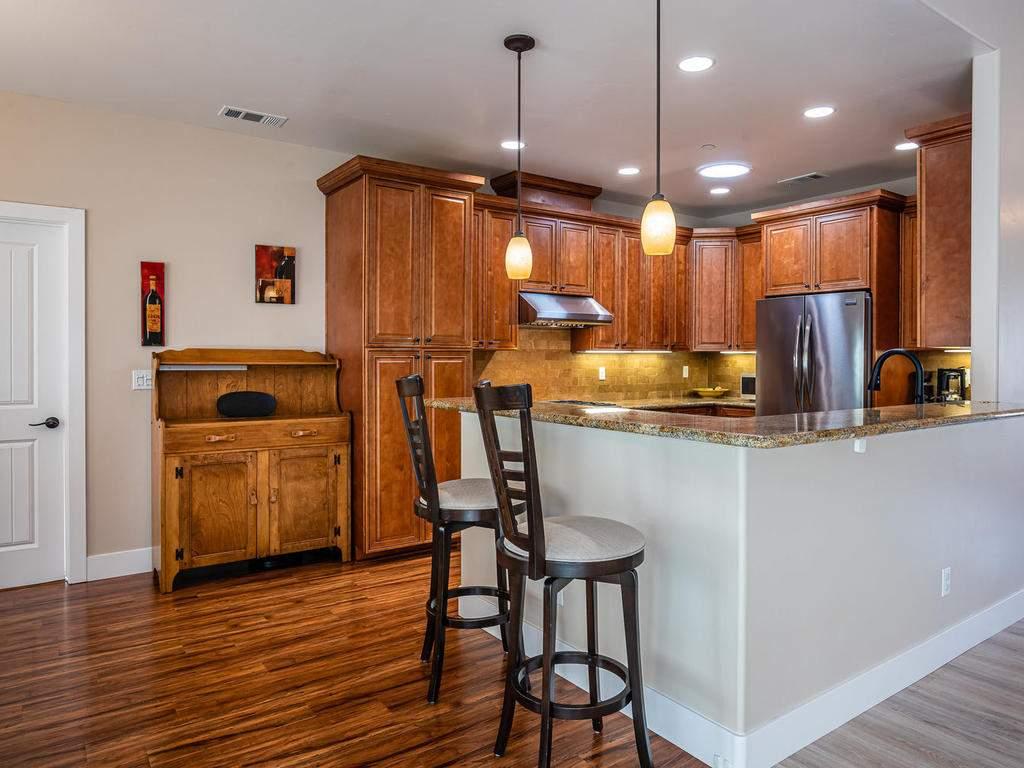 2018-Vista-Oaks-Way-Paso-010-016-Kitchen-MLS_Size