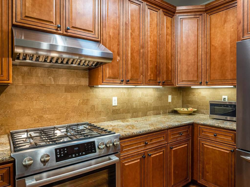 2018-Vista-Oaks-Way-Paso-011-014-Kitchen-MLS_Size