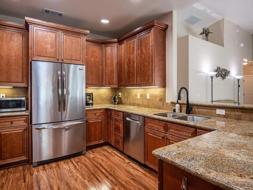 2018-Vista-Oaks-Way-Paso-012-034-Kitchen-MLS_Size