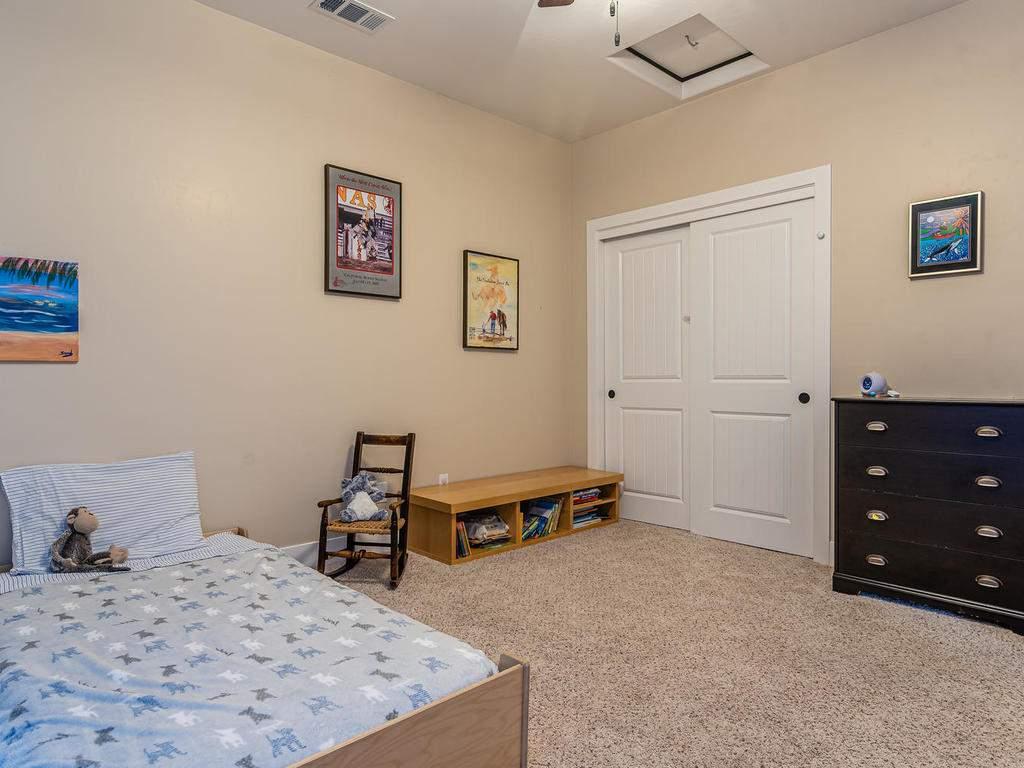2018-Vista-Oaks-Way-Paso-021-018-Bedroom-Three-MLS_Size