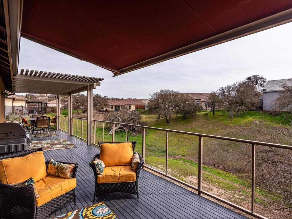 2018-Vista-Oaks-Way-Paso-027-030-Large-Deck-MLS_Size