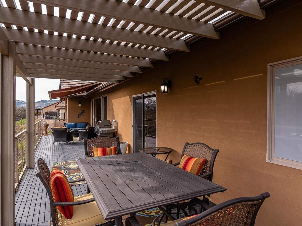 2018-Vista-Oaks-Way-Paso-030-024-Large-Deck-MLS_Size