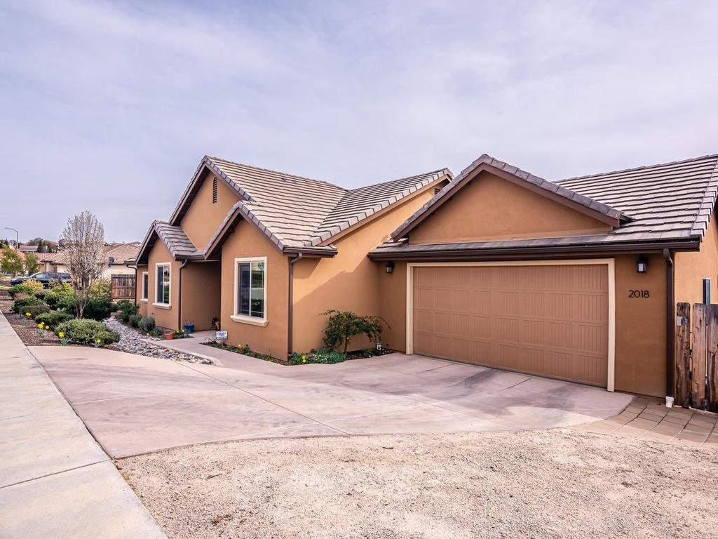 2018-Vista-Oaks-Way-Paso-033-029-Garage-MLS_Size