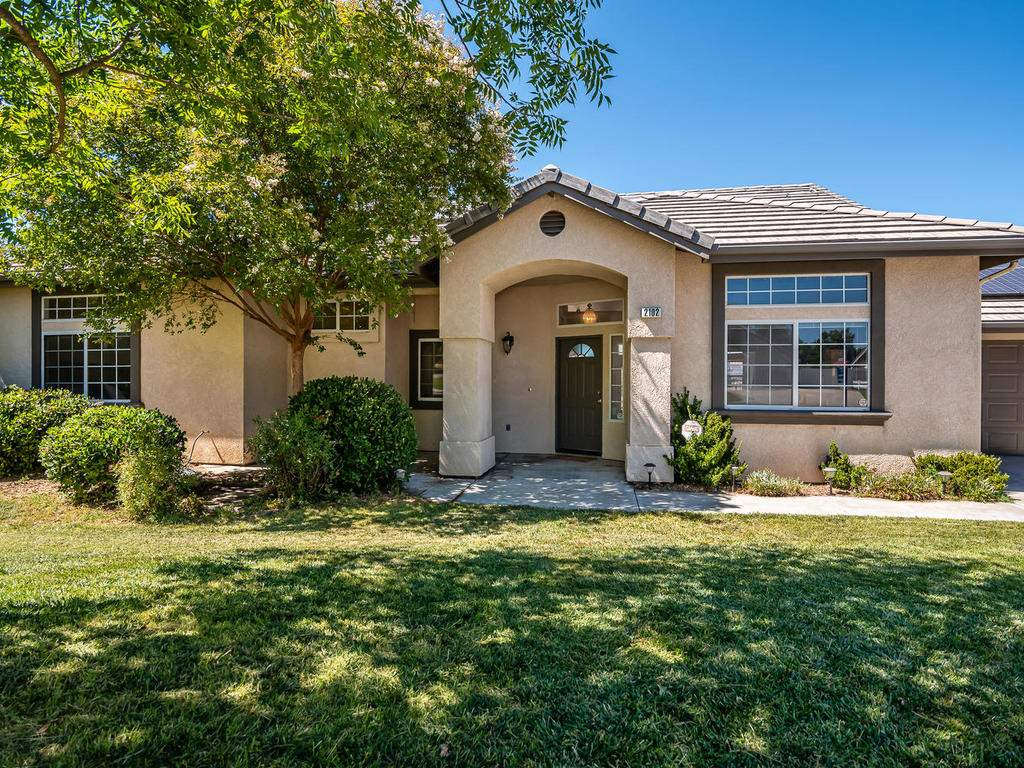 2102-Summit-Dr-Paso-Robles-CA-001-004-Front-of-Home-MLS_Size