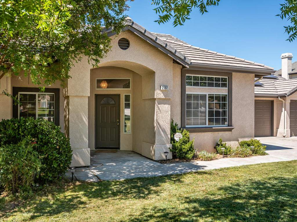 2102-Summit-Dr-Paso-Robles-CA-002-001-Front-of-Home-MLS_Size