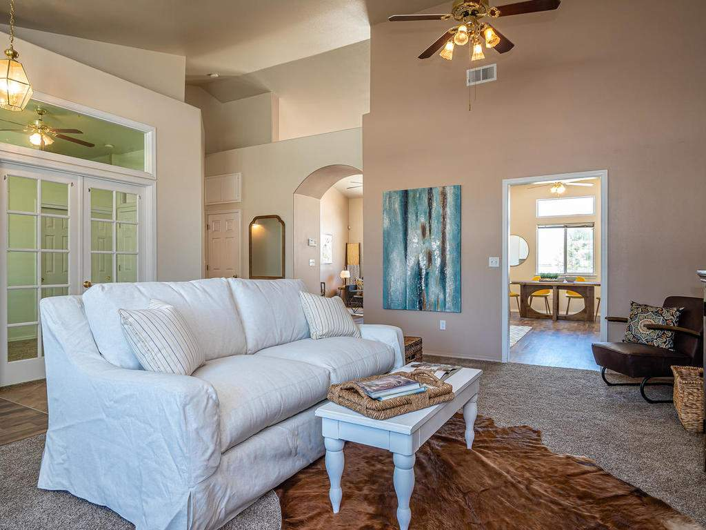 2102-Summit-Dr-Paso-Robles-CA-004-002-Family-RoomDen-MLS_Size